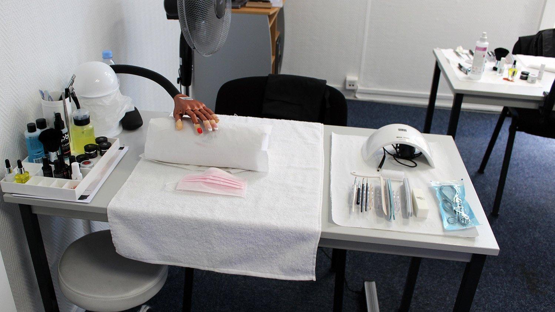 Du soin des ongles au Nail Art. Formation certifiante de prothèsiste ongulaire à Cergy Pontoise Val Oise 95 Ile de France 5