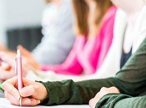 cours de soutien scolaire mathématiques français anglais. préparation au Brevet et Baccalauréat à Cergy Pontoise